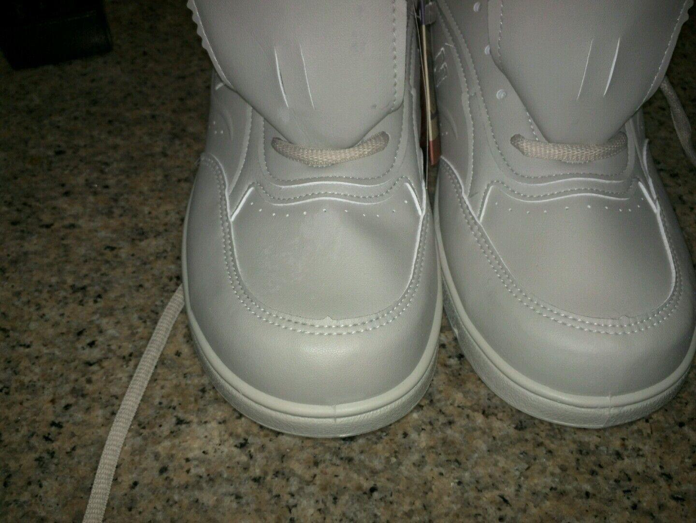 New balance walking shoes Brand New size 11
