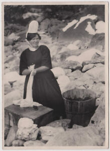 Original-vintage-1920s-FRANCE-women-in-traditional-attire-laundry-day-Brittany