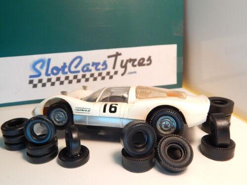 8 ar pneus urethane Carrera Universal 132 années 70 8 av