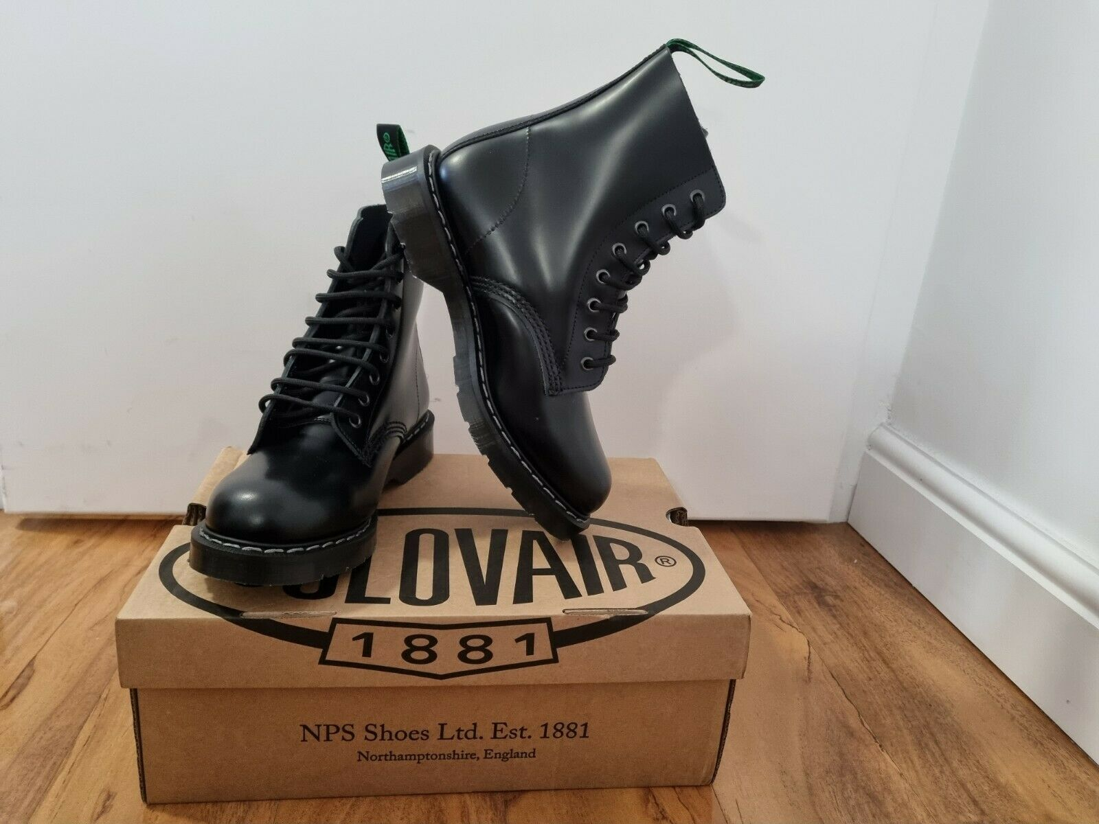 NPS SOLOVAIR Black Shiny Leather 8 Eye Derby Boot Size 6