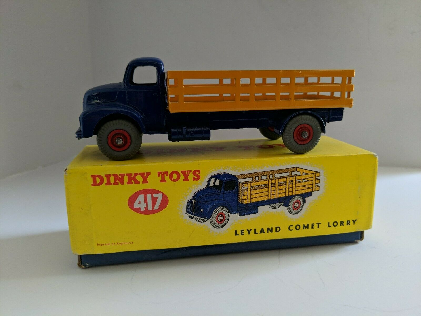 Dinky Toys 417 Leyland Comet Lorry, with Box. Rare in this condition. MINT