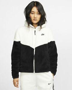 Détails sur NIKE NSW Sportswear Coursevent Sherpa Veste BV5468 133 Noir Blanc Polaire afficher le titre d'origine