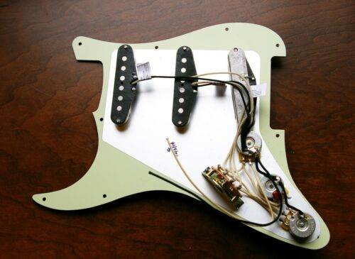 Lindy Fralin Loaded Prewired Strat Pickguard Real 54/'s White on Tortoise USA