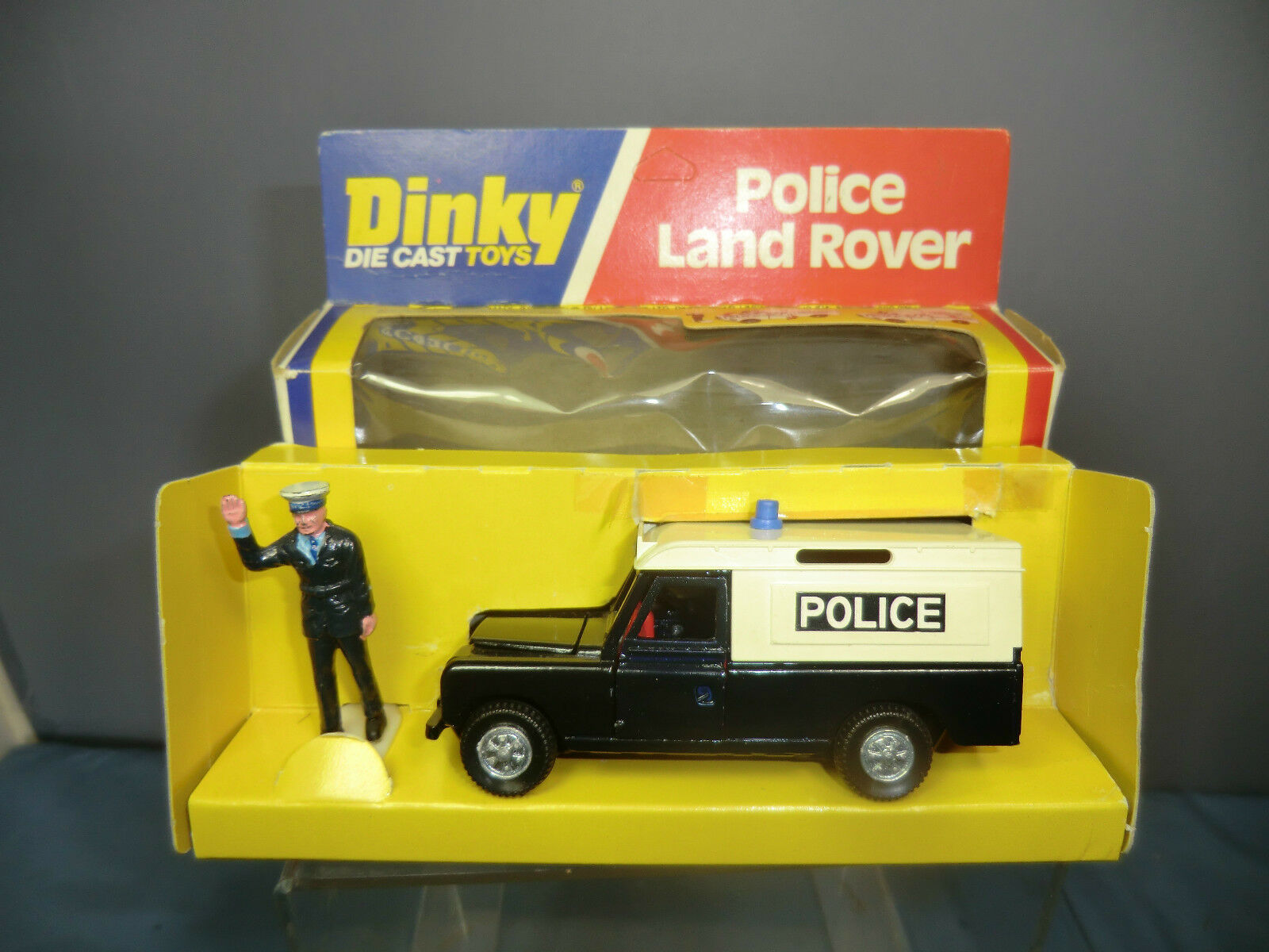 DINKY TOYS MODEL No.277 POLICE LAND ROVER  VN MIB