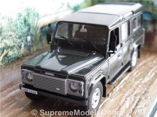 LAND Rover Defender Modello Auto Taglia 1:43 Grigio Collezione di James Bond Casino /'T3Z