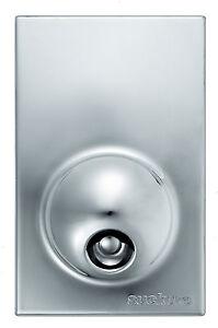 Design-Flaschenoffner-magnetisch-Wand-Flaschenoffner-rot-oder-silber-ambiato