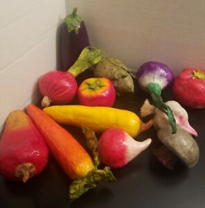 Vintage-Paper-Mache-Mexican-Vegetables-Decor-Folk-Art-Lot-of-12
