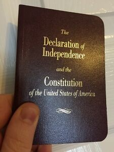 LARGE-PRINT-Pocket-Size-United-States-Declaration-Of-Independence-amp-Constitution