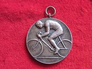 Einfach Zu Schmieren Freundschaftlich Abzeichen,ordenradsport,radrennen 1.preis Vereinsmeisterschaft 45 Km 1925 R.s.c Pins & Anstecknadeln