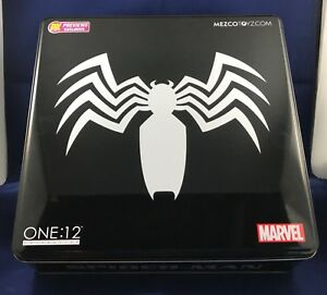 Mezco Toyz One:12 Collective Marvel Black Suit Spiderman PX Exclusive 1/12 Scale