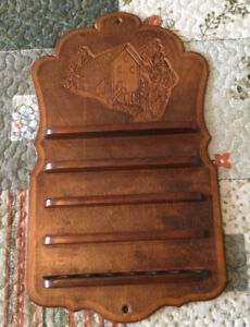 Vintage Wooden Thimble Display Rack Holds 35 Thimbles Includes 10 Thimbles