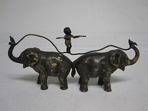 ANTIQUE-FRANZ-BERGMAN-AUSTRIA-VIENNA-COLD-PAINTED-BRONZE-ELEPHANTS-w-BLACK-BOY