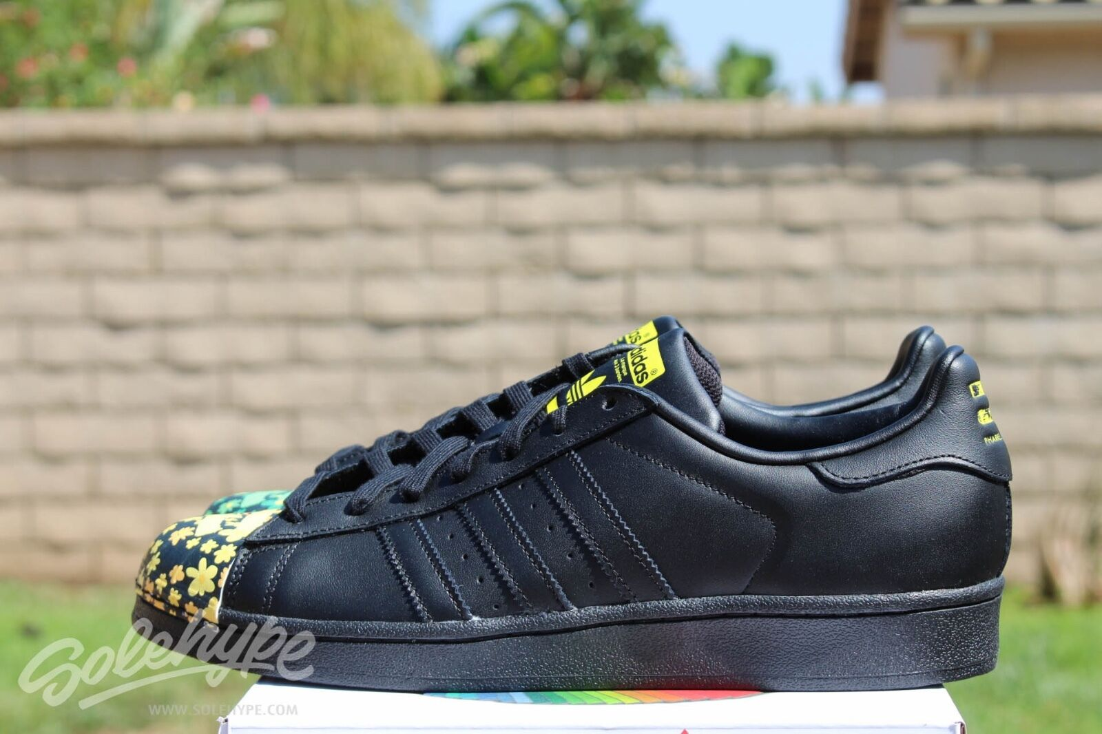 Adidas superstar pharrell (supershell sz 10 core s83366 nera e gialla | I Materiali Superiori