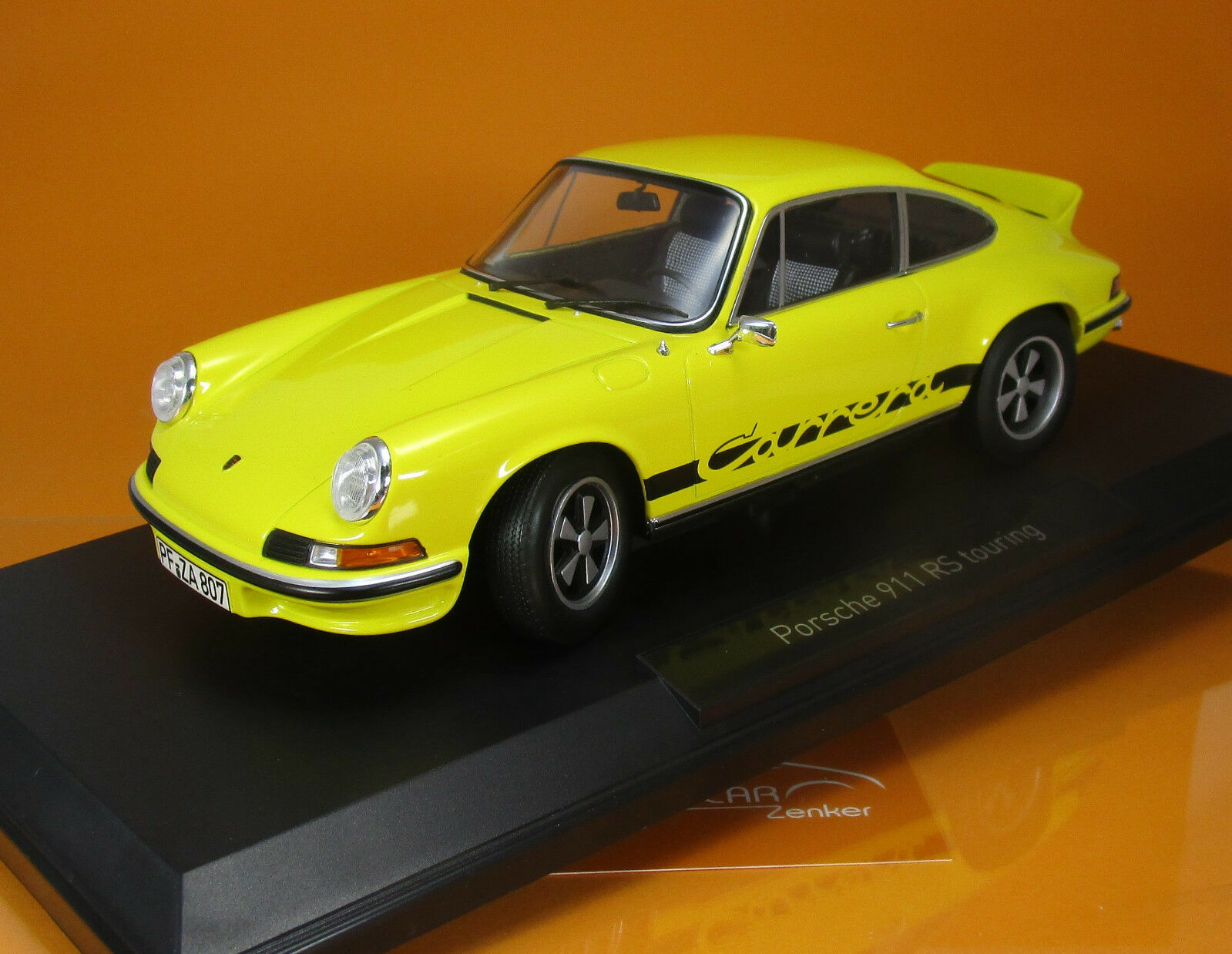 Norev 187638 Porsche 911 RS Touring 1973 giallo scale 1 18