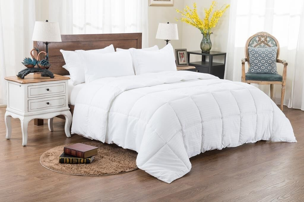 US Queen Size All Season Down Alternative Comforter Egyptian Cotton White Stripe