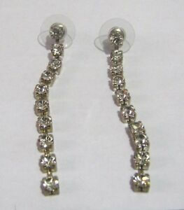 Lovely silver tone metal dangle style earrings white stone approx 2 ins long - Newent, United Kingdom - Lovely silver tone metal dangle style earrings white stone approx 2 ins long - Newent, United Kingdom