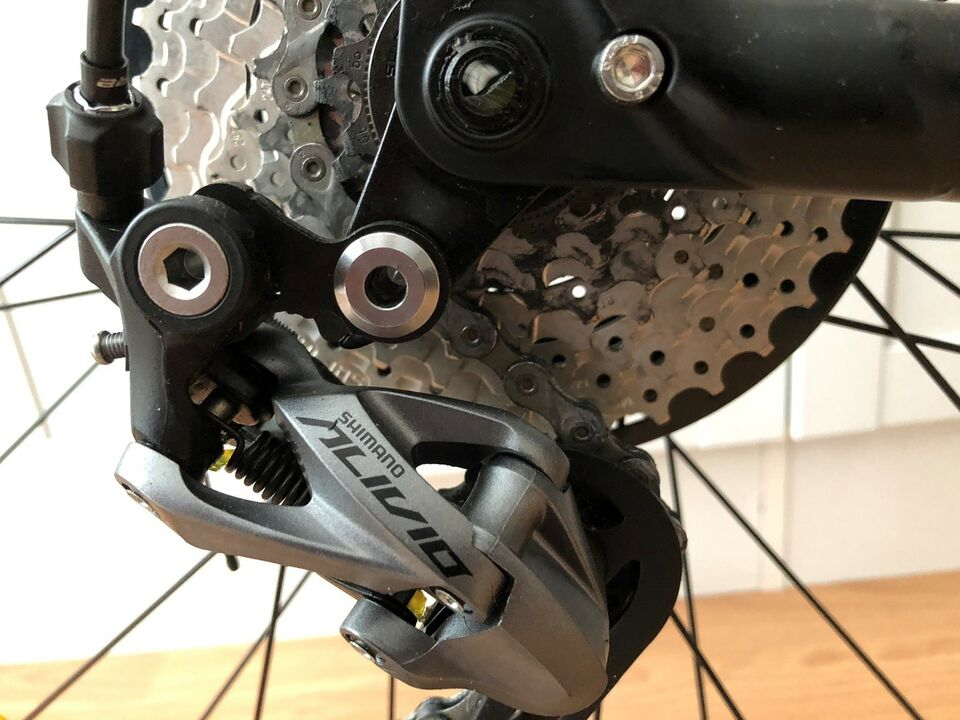 Specialized Sequoia sort/graphite, anden mountainbike,