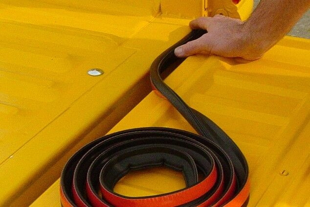 Ultimate Tailgate Seal with Taper Seal® 10ft, w/3M ST1200 Tape for Pickup Truck