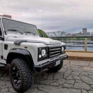2004 Land Rover Defender 9 seats