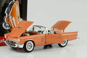 1957-Ford-Thunderbird-avec-Hardtop-Holiday-Edition-Corail-Sable-1-18-Auto-World