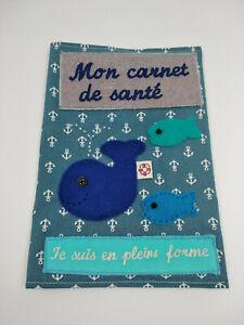Protege-carnet-de-sante-034-Je-suis-en-pleine-forme-034-decor-baleine-fait-main-neuf