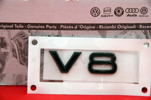 Audi 2x V8 Schriftzug Emblem Logo Schwarz Hochglanz Klavierlack schwarz