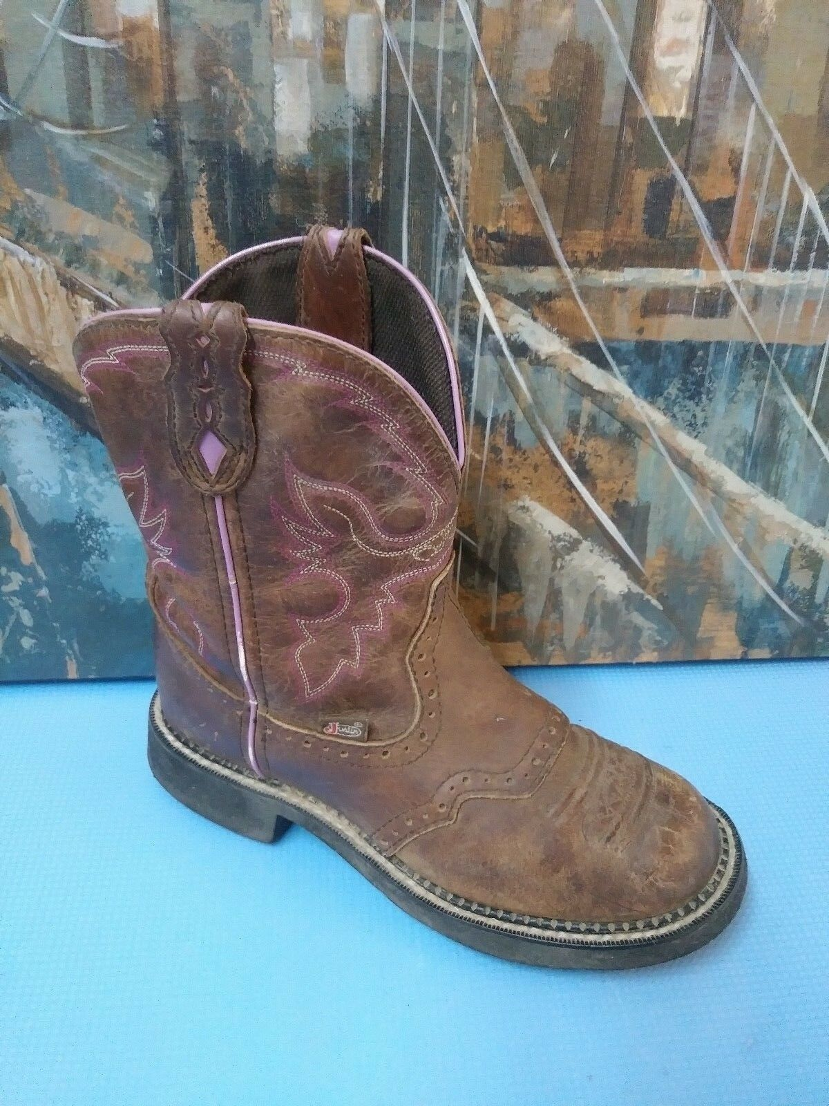 Women's brown leather Justin boots, size 6.5