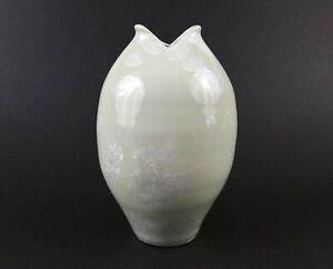 bill-campbell-pottery-vase-crystalline-7-5-034-white-green
