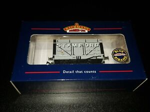 OO gauge Bachmann 37-200 8 Plank Wagon with Coke Rail Stamford Gas & Light Boxed