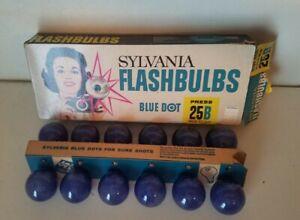 12 Vtg Sylvania Flashbulbs Blue Dot Press 25B w Box NOS Collectible