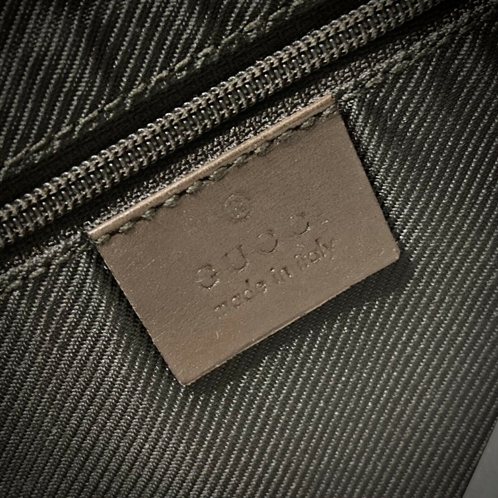 Vintage Authentic Gucci (Made In Italy) Classic H… - image 5