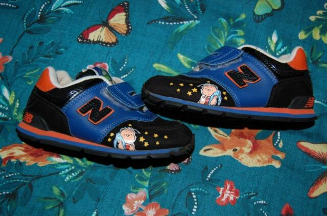 3d17453443 New Balance Charlie Brown Peanuts 10.5W 10.5 Wide Tennis Shoes Used sneakers