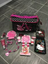 HELLO KITTY BUNDLE WITH MAKE-UP BAG KEY RING PEN NECKLACE PHONE SOCK GLOSS BNWT