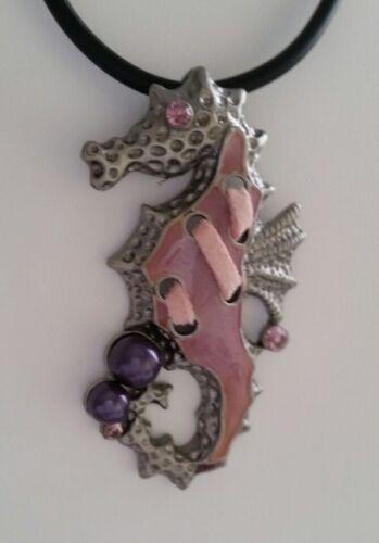 Kette Anhänger Seepferdchen 6 cm alt rosa lila Mode-Perle Strass NEU K 38
