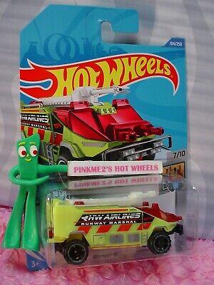 WB11 2020 Hot Wheels Case P Runway Res-Q #104