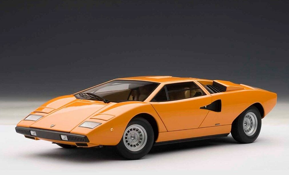 74647 AUTOart 1:18 Lamborghini Countach LP400 arancia model cars