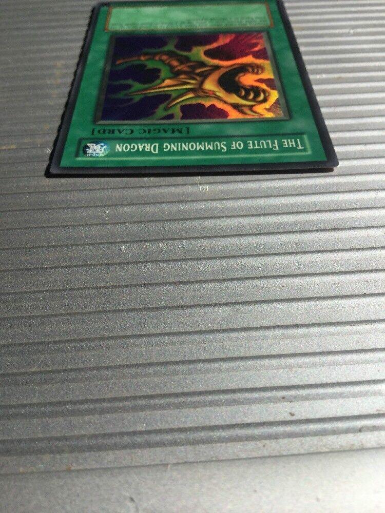 THE FLUTE OF SUMMONING DRAGON - - - SDK-042 -  Edition - Super Rare YuGiOh Card 8bb913