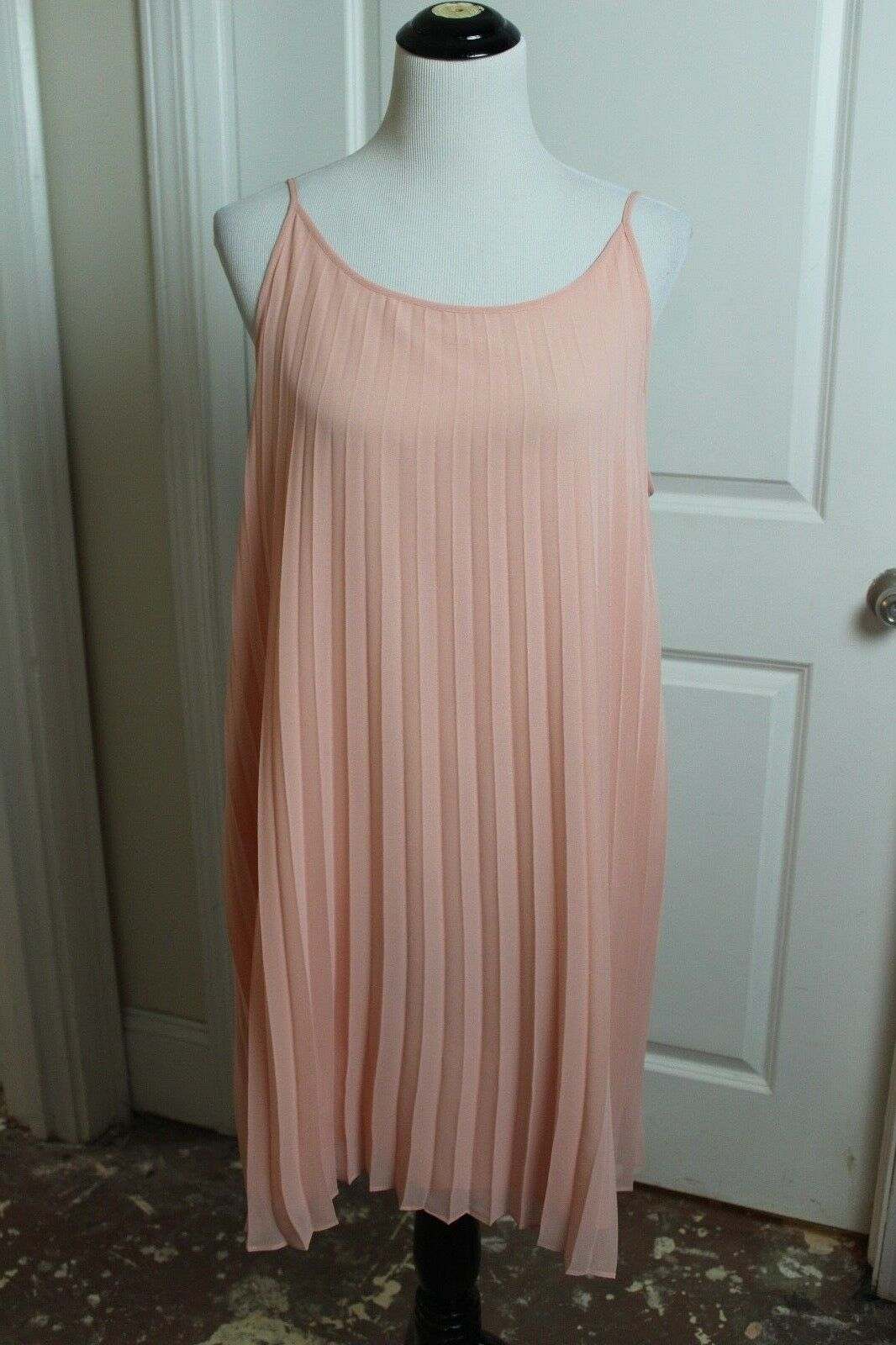 BCBGeneration Womens Sunburst Accordion Pleated Dress in Coral pink SZ L