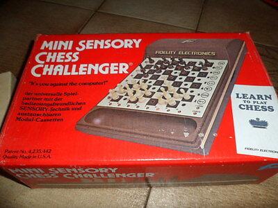 Bello Scacchi Chess Mini Sensory Chess Challenger Test Con Alimentatore Errore Più Facilmente-mostra Il Titolo Originale Portare Più Convenienza Per Le Persone Nella Loro Vita Quotidiana