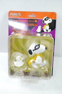 Peanuts-Snoopy-amp-Woodstock-Halloween-Costume-Figurine-Set-Medicom-New-KB14