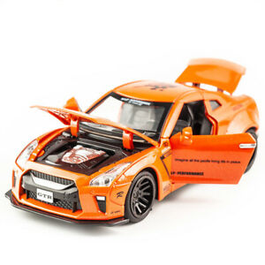 Nissan-GTR-1-32-Metal-Diecast-Model-Car-Toy-Collection-Sound-amp-Light-Pull-back
