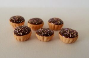 DOLLS-HOUSE-MINIATURE-FOOD-1-12-6-X-FROSTED-CHOCOLATE-CUPCAKES-COMBINED-P-P
