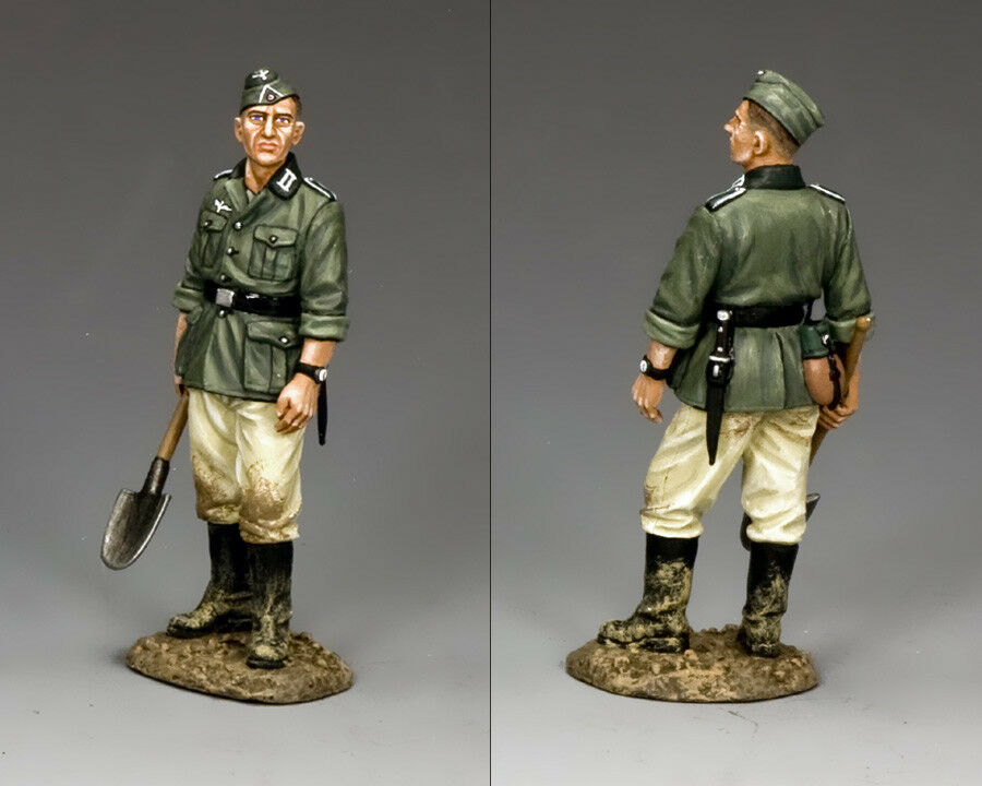 KING AND COUNTRY WW2 German Standing Engineer WH024