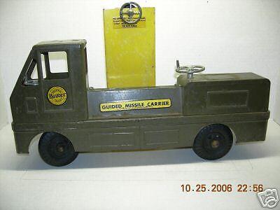 Nueva York pelusa juguetes Vintage portador de misiles guiados