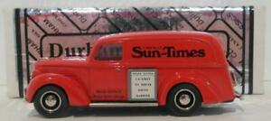 Durham-1-43-escala-Dur-3-1939-Ford-Panel-Van-Chicago-Sun-Times-Rojo