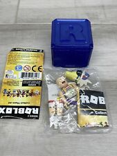 By Zoey The Fashionista Roblox Celebrity Series 2 Mini Figure Box Roblox Series 2 Zoey The Fashionista With Code Box Ebay