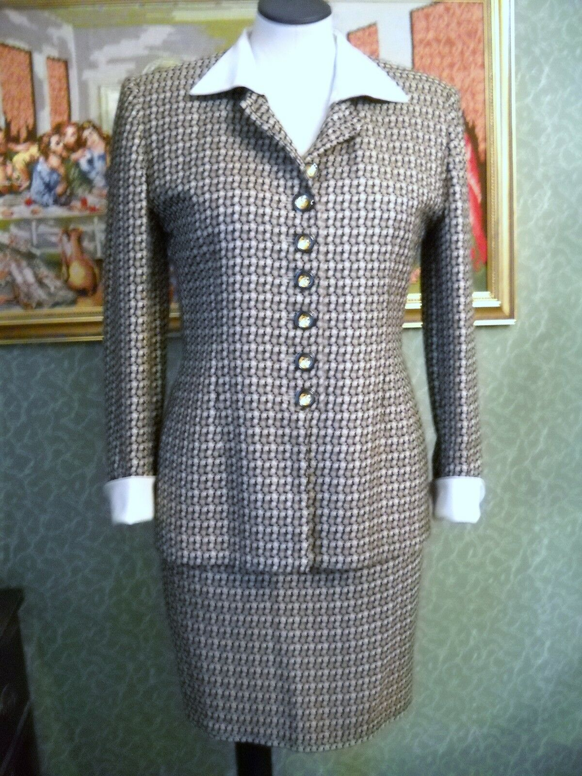 VINTAGE,CHRISTIAN DIOR TWO PIECE SUIT, DETACHABLE COLLAR CUFFS, SIZE 2, MADE USA