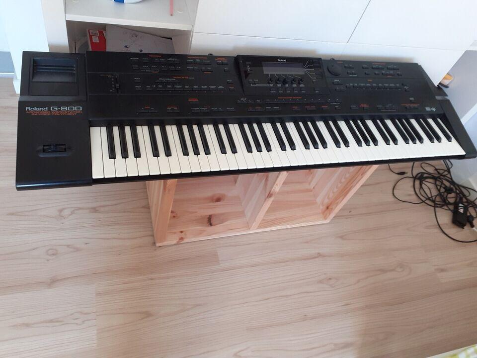 Midi keyboard, Roland g800