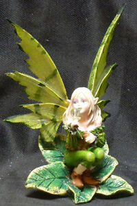 """LEAF FAIRY Green Fairy with Crystal Statue Figurine H6.25"""""""