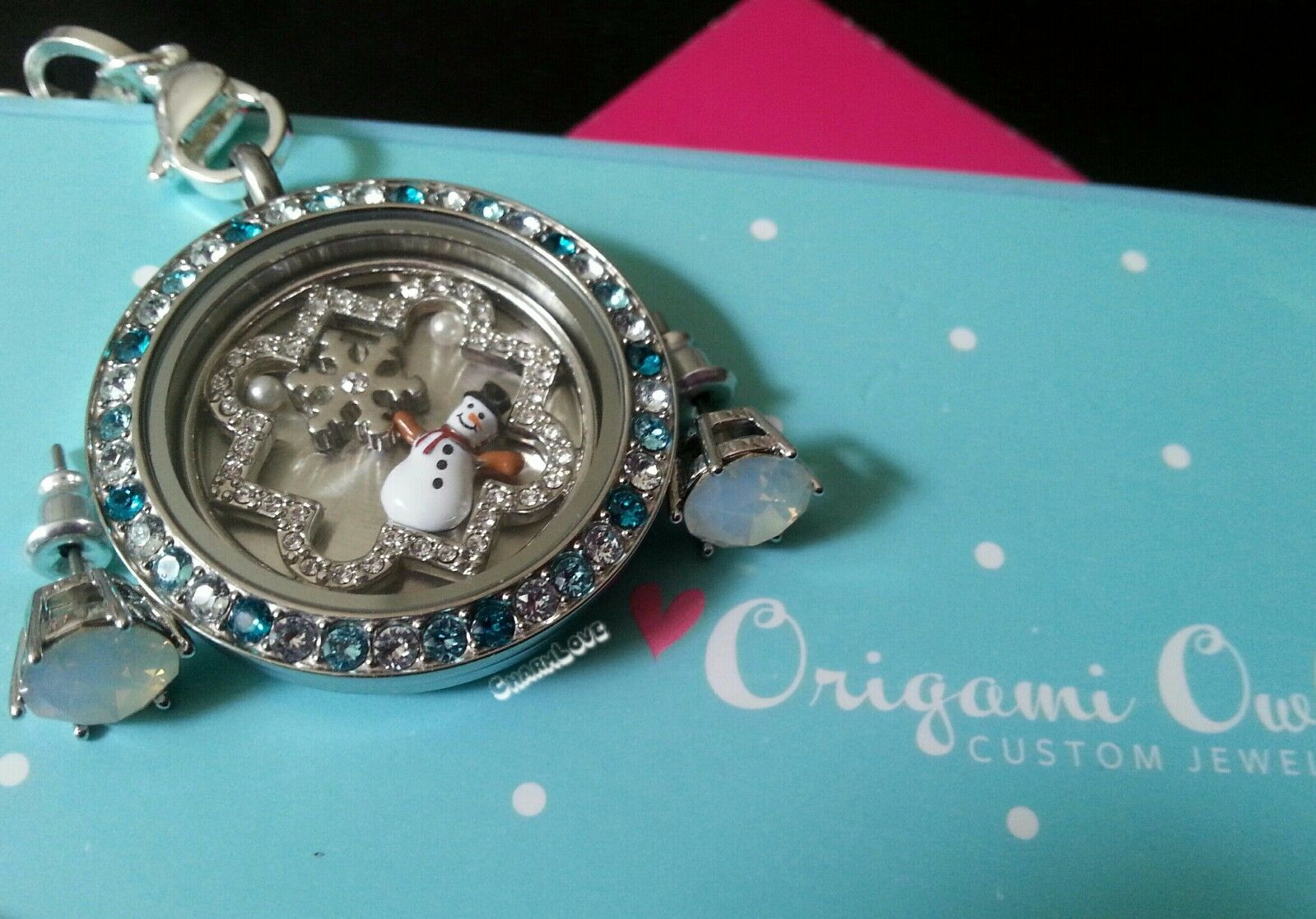 ORIGAMI Owl Christmas Wonderland Set  tri colord face, snowman & More